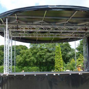 360-Grad-Bühne mit Rampe