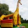 Hüpfburg Giraffe von der Seite