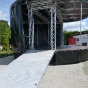 360-Grad-Bühnenwagen_2 mit Rampe