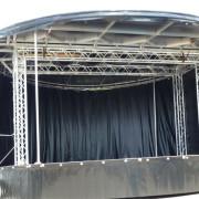 360-Grad-Bühnenwagen_3 hinten mit Plane