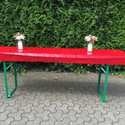 Bierzelt-tisch mit kurzer PVC Tischdecke