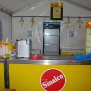Theke und Kühlschränke