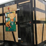 Toilettenwagen mit Behinderten WC & Kindertoilette mit Wickeltisch__ Abgebaut_